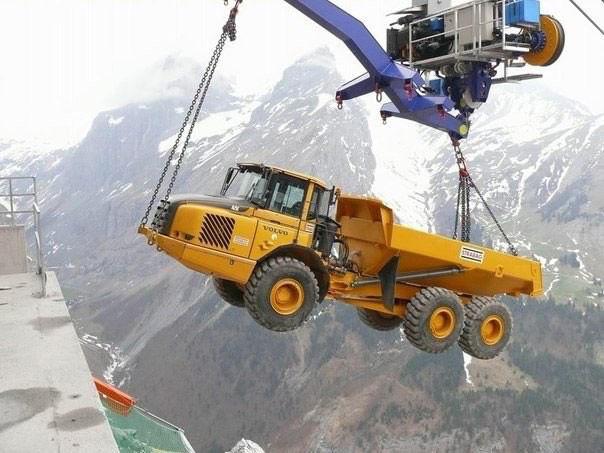 Канатная дорога для техники от швейцарских инженеров фото
