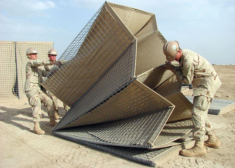 Супермобильные военные ограждения фото