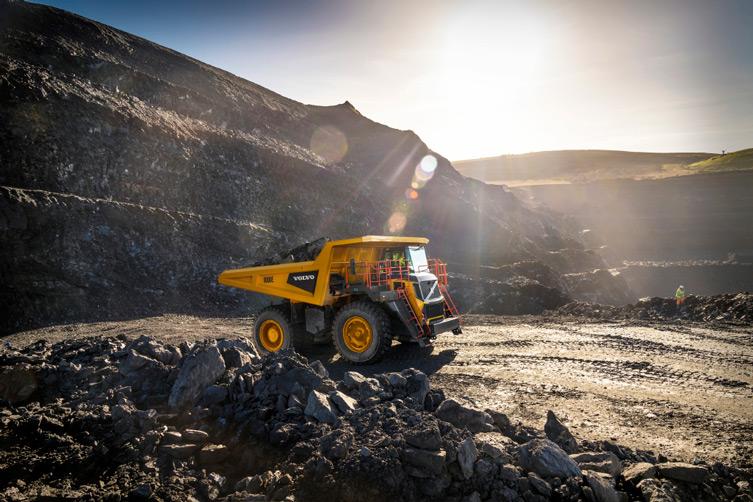 Volvo начала производить карьерные рамные самосвалы фото